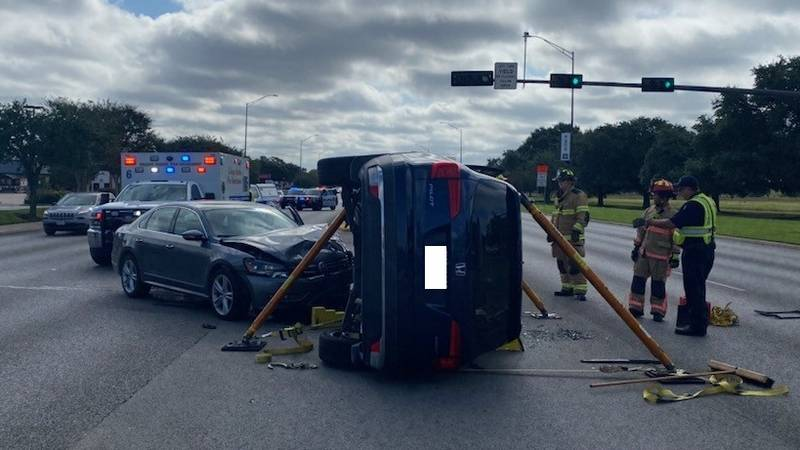 The crash happened around 10:30 a.m. between University Drive and Lincoln Avenue.