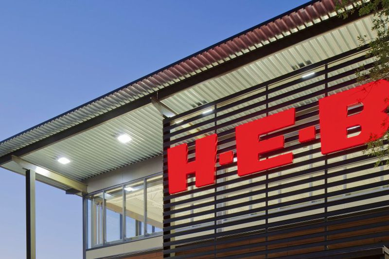 H-E-B is working to clear up confusion about its mask policy ahead of the state's mask mandate...