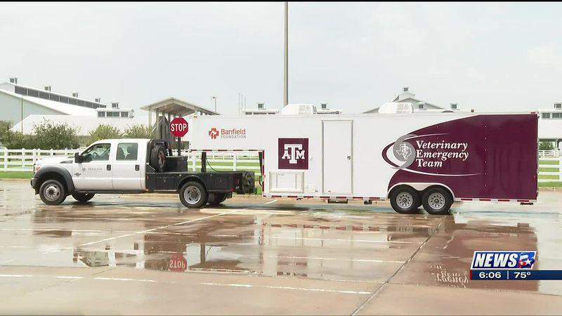 Banfield Foundation donates evacuation trailer to Texas A&M Veterinary Emergency Team