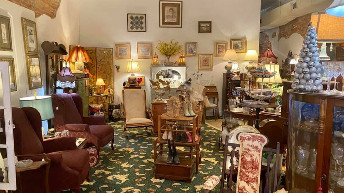 The Silk Purse Antiques & Cafe