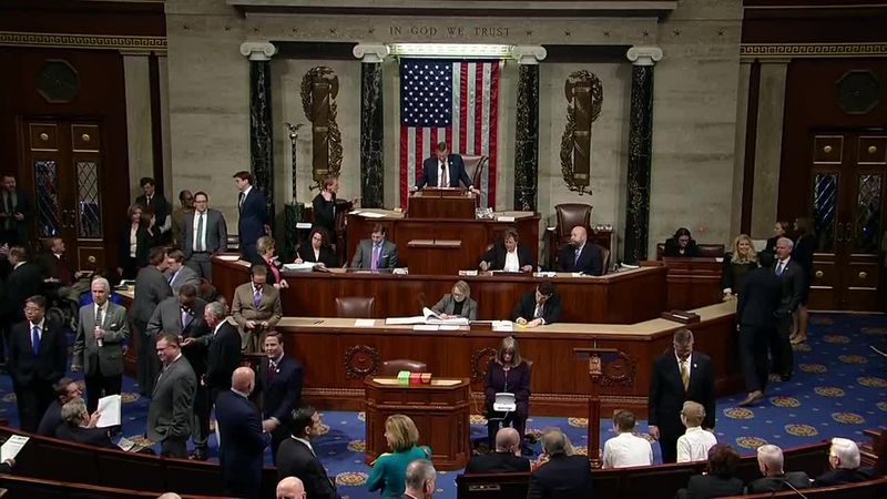 Congress weighing options to pass a new economic stimulus bill
