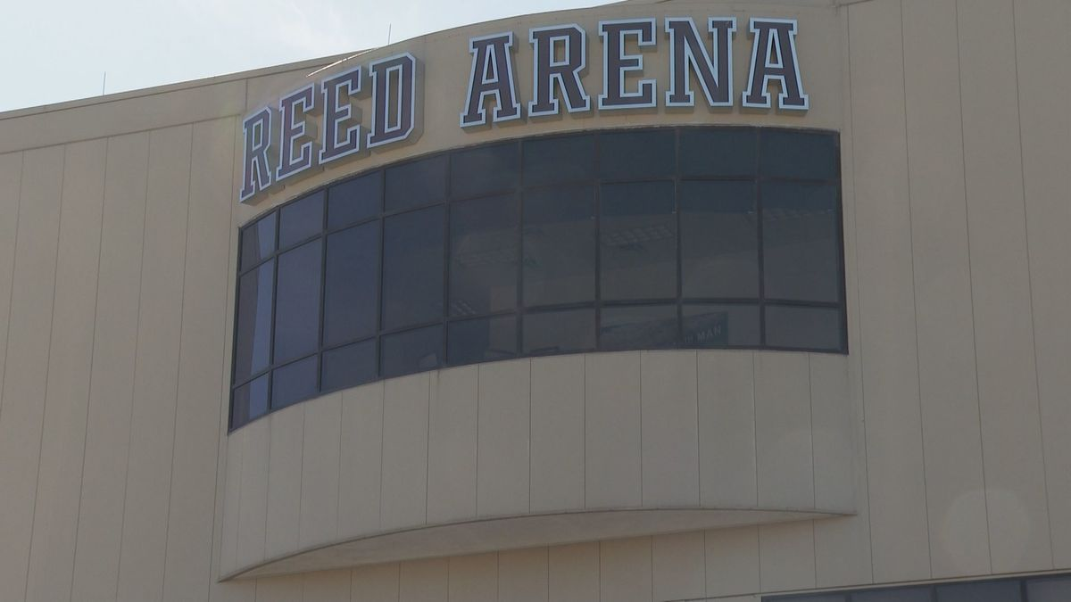 Reed Arena opens as a warming center on Tuesday through noon Thursday.