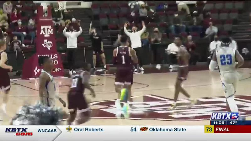 Aggies Defeat New Orleans, 82-53, in Season Opener