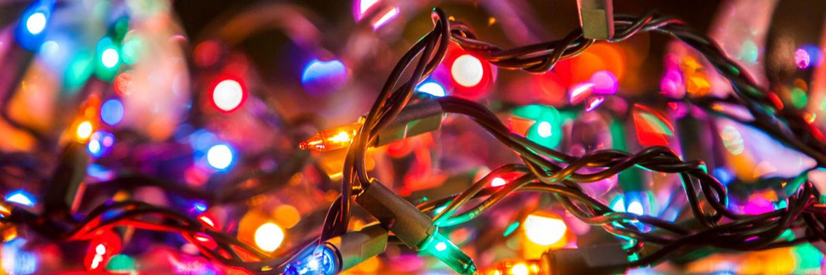 Christmas Light Hanging Service In St Louis Park