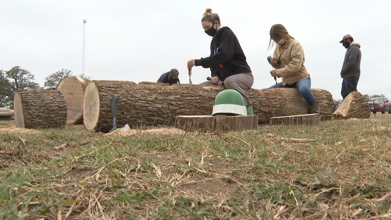Aggie students preparing for Student Bonfire Burn Night.