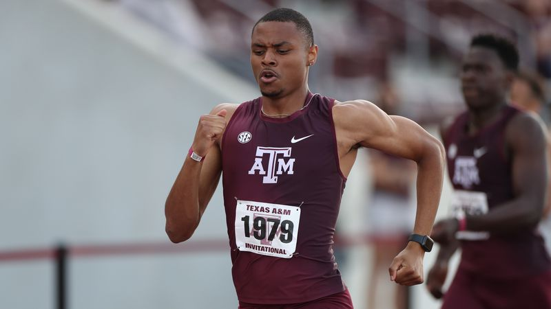 Texas A&M's Devin Dixon wins the 400m at the Aggie Invitational