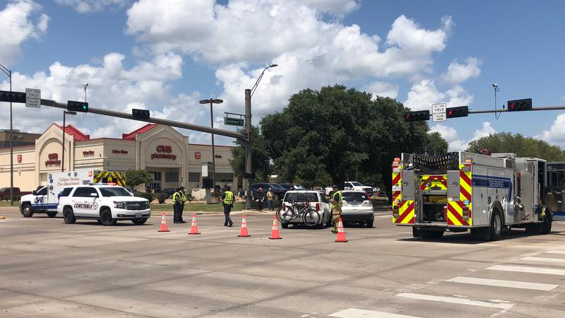 CSPD shutting down lanes on Texas Ave due to crash